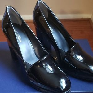 Brooks Brothers Shoes - Brooks Brothers Black Patent Pumps